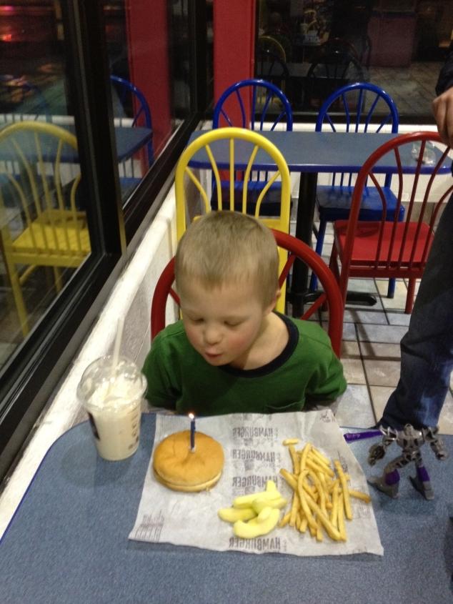 birthday-hamburger-age-6